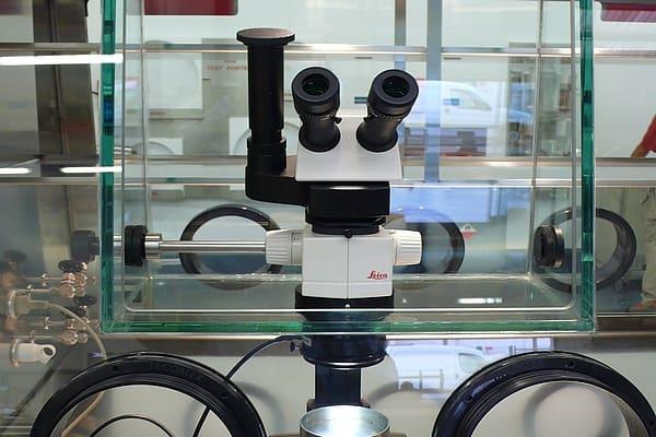 microscope-glove-box-4