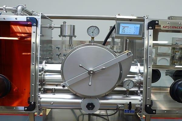 vacuum-chamber-glove-box-2
