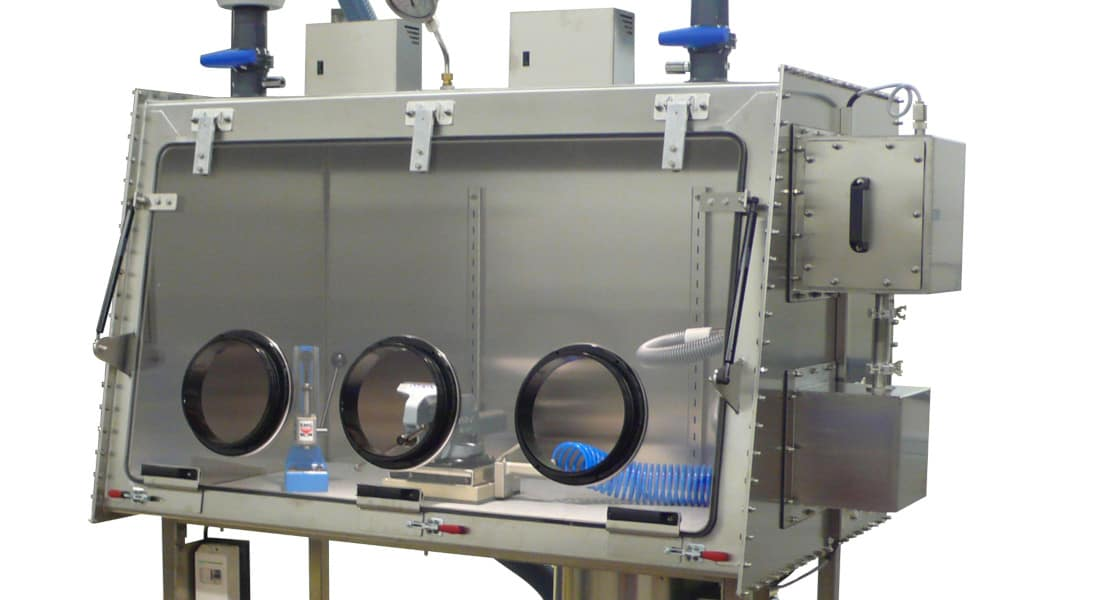 particles-recycling-operator-protection-glove-box